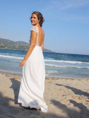 Robe de mariage sur une plage